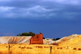 Buried-Rivers-of-gold-heritage-trail-historic-mine-Clunes